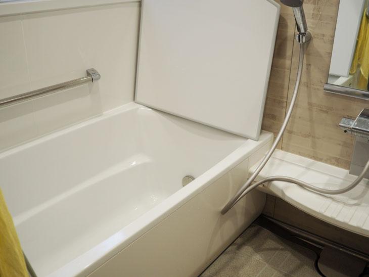 地震によるひび割れがきっかけでタカラのホーローのお風呂へリフォーム