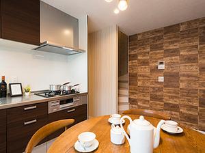快適さを引き出した二世帯住宅 お施主様のアイデアでカフェのようなオシャレな空間が実現