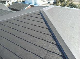 コロニアルの剥がれが多いため屋根の葺き替えをご提案しました。
