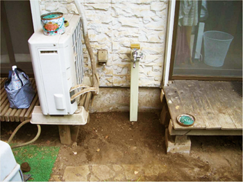 お庭の水撒きが簡単になるように、屈まなくても蛇口をひねる事が出来る「立水栓」をご提案しました。